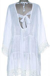 Robe blanche au soleil de Saint Tropez