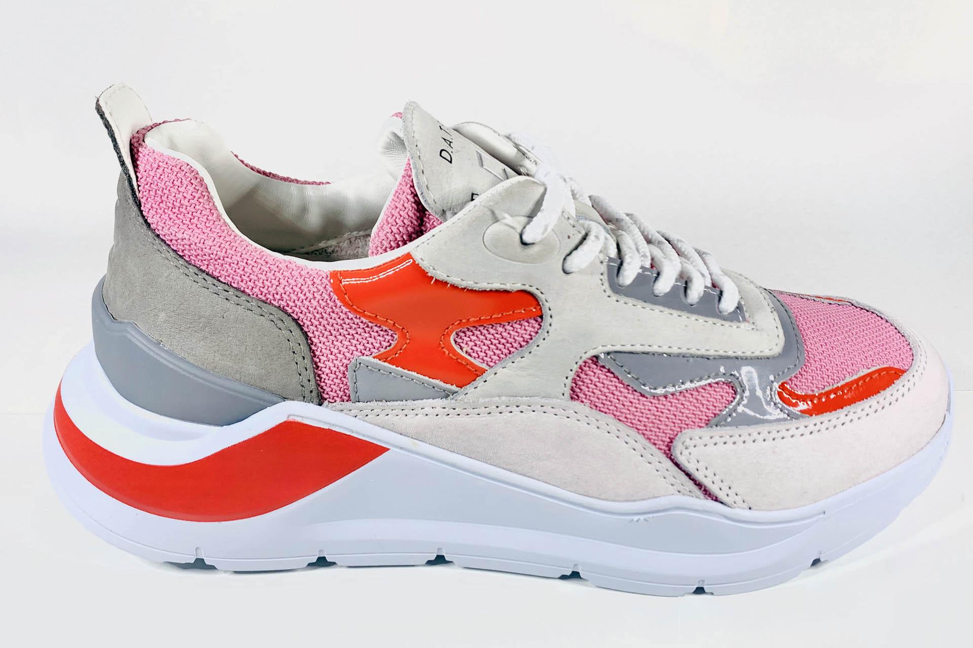 Sneaker rose D.A.T.E